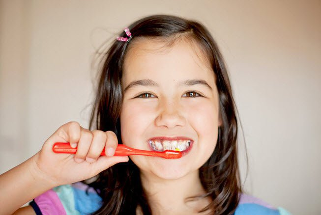 How to get children to regularly brush their teeth