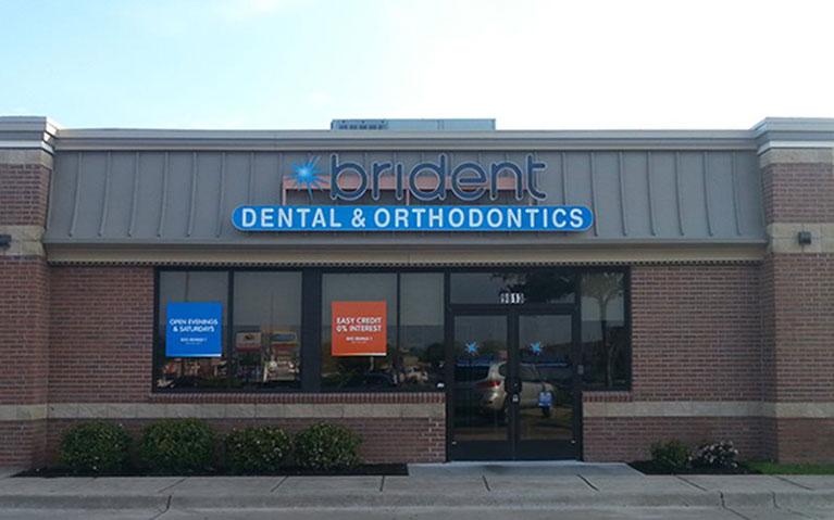 Dentists & Orthodontists on Lamar Boulevard | Brident